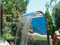 Cascada para piscina Victoria en acero inoxidable