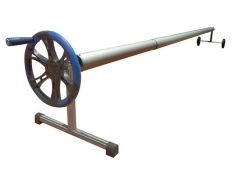Enrollador telescópico Plus con rueda para manta solar de piscina