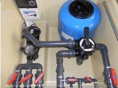 Instalación de filtro y bomba para piscina