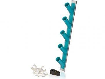 Colgador metálico para material de limpieza piscina