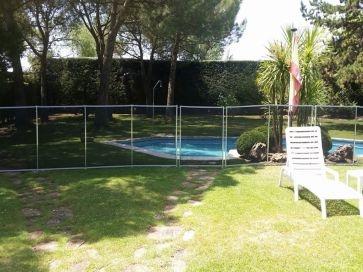 Vallas de seguridad para piscinas desmontable para niños con barra rígida o de pletina