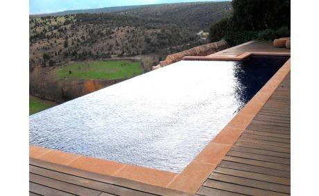 Construcción de Piscina infinity en Segovia (Pedraza)