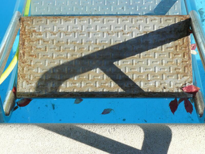 Limpieza y mantenimiento del acero inoxidable for Polvo en la piscina